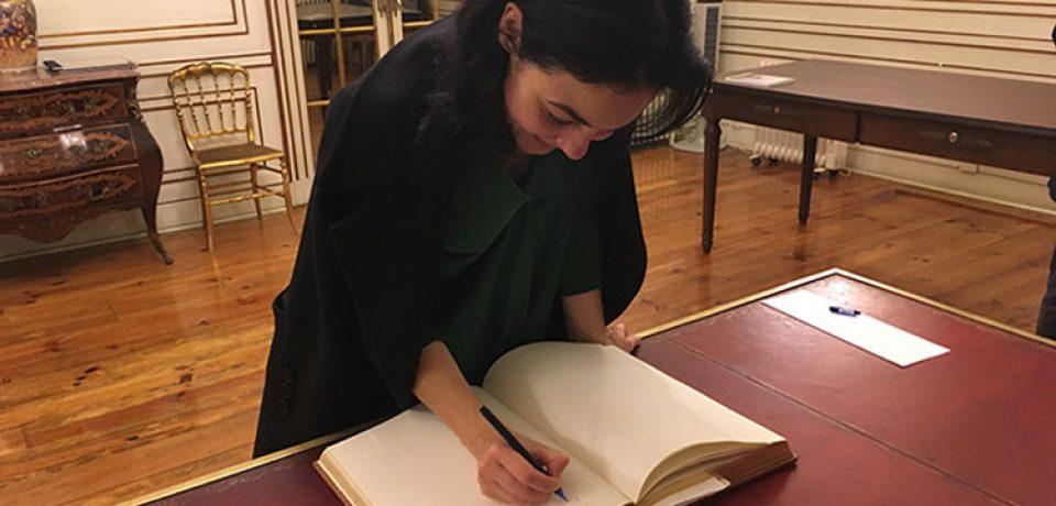O Livro de Ouro de novo assinado